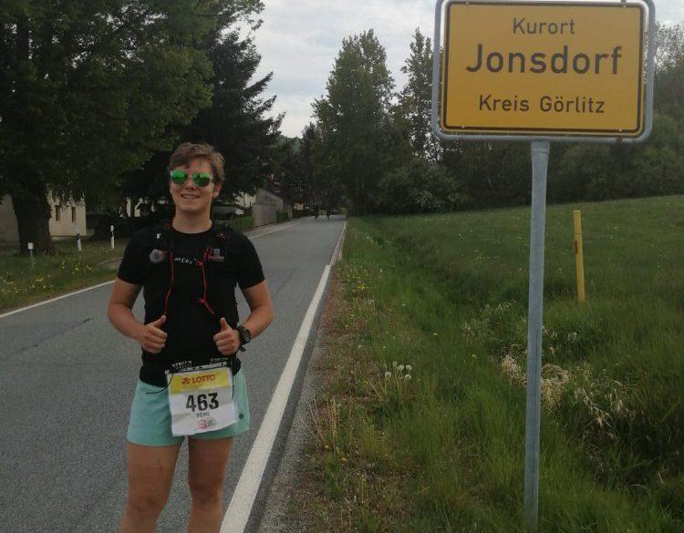 O-SEE Sportlerin beim virtuellen Rennsteiglauf